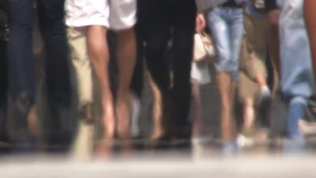busy sidewalk with heat haze, tokyo, japan - summer heat stock videos & royalty-free footage