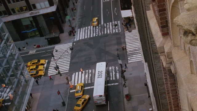 ha, canted, busy street intersection, new york city, new york, usa  - unknown gender stock videos & royalty-free footage