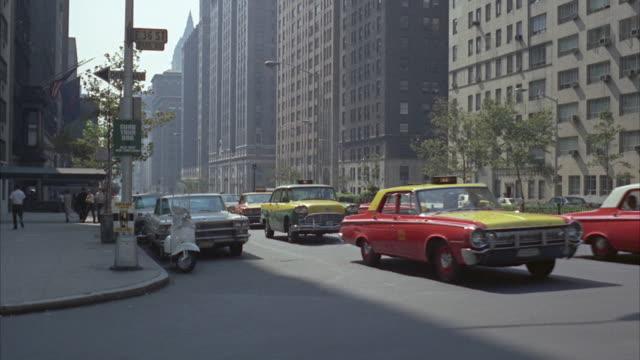 1966 ws busy street / new york city, new york, usa - 1960~1969年点の映像素材/bロール