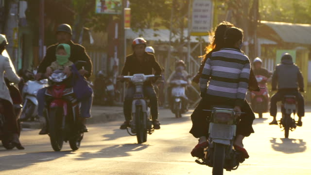 stockvideo's en b-roll-footage met busy street scene - vietnam