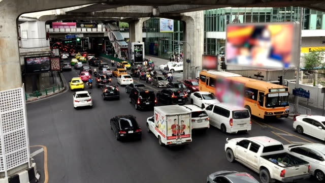 バンコクで混雑 - 高架電車点の映像素材/bロール