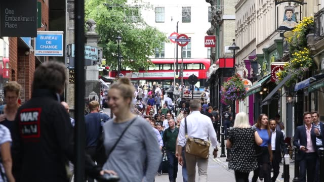 busy villiers street, near trafalgar square, london, uk. - busy stock videos & royalty-free footage
