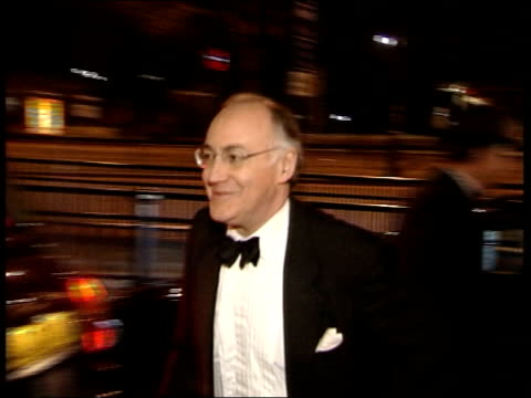 butler intelligence inquiry conservatives pull out itv late news nick robinson england london michael howard mp out of car towards past pan to bv away - itv late news stock-videos und b-roll-filmmaterial