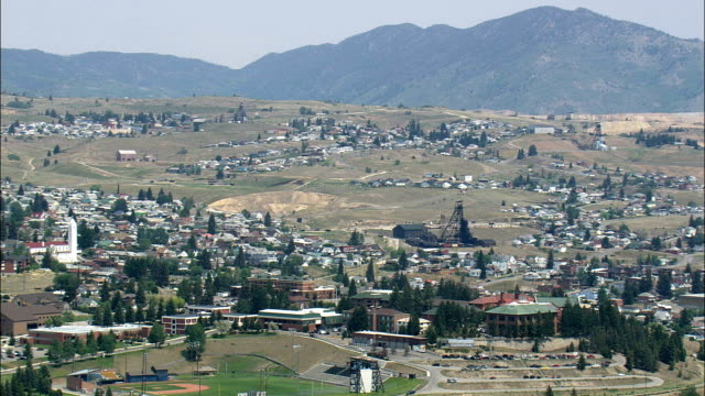 butte  - aerial view - montana,  silver bow county,  helicopter filming,  aerial video,  cineflex,  establishing shot,  united states - butte rocky outcrop stock videos & royalty-free footage