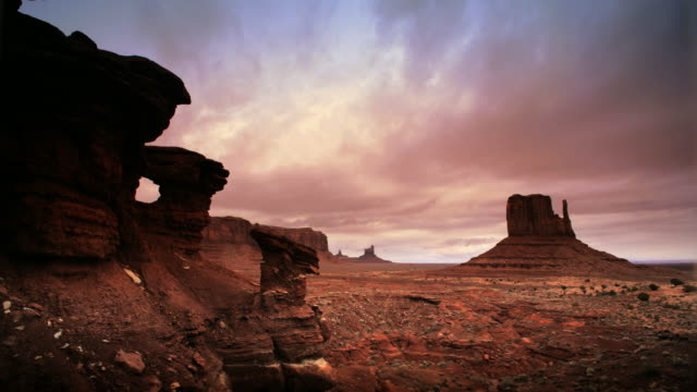 buttes at monument valley - red rocks stock videos & royalty-free footage