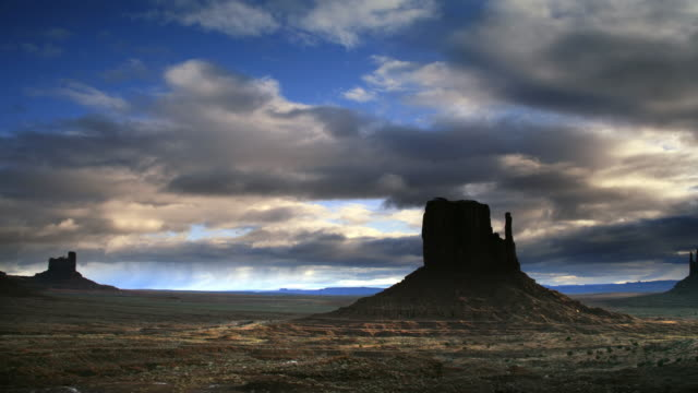 buttes at monument valley - monument valley stock videos & royalty-free footage