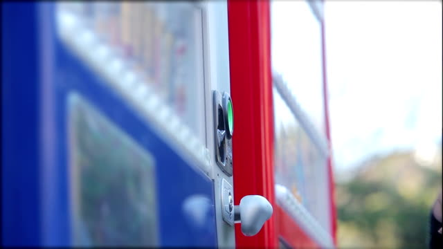 vídeos y material grabado en eventos de stock de comprar de agua, máquinas dispensadoras - vendor