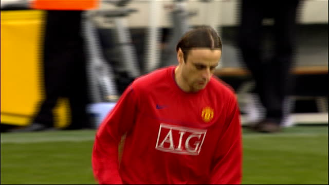 buying and selling on last day of transfer window manchester old trafford ext dimitar berbatov jogging during training sir alex ferguson press... - transfer stock videos and b-roll footage