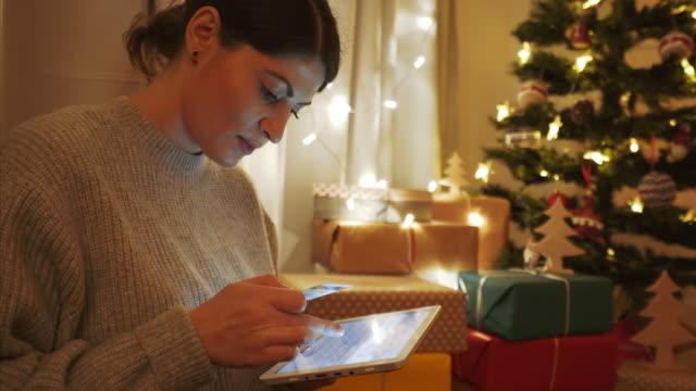 クリスマスのオンラインで購入できます。 - ギフトショップ点の映像素材/bロール