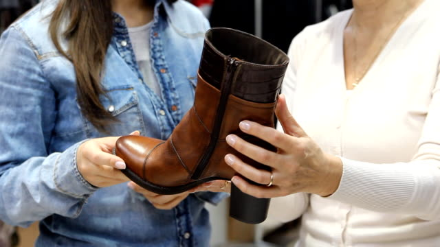 Buying  Leather boots