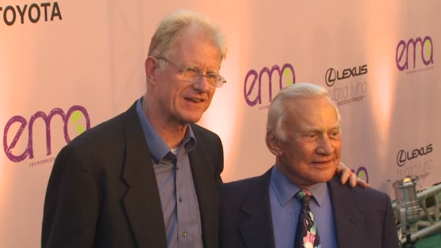 buzz aldrin at the 2009 environmental media awards at los angeles ca - environmental media awards stock videos & royalty-free footage