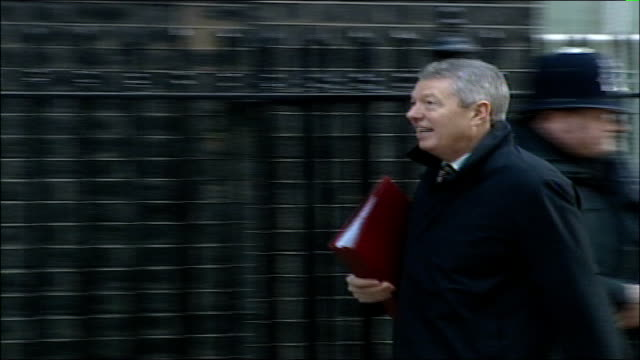 Cabinet arrivals at Number Ten Downing Street Ruth Kelly MP along to No 10 / Alan Johnson MP along to Number 10 PAN Geoff Hoon MP along to Number 10...