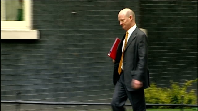 stockvideo's en b-roll-footage met london downing street ext maria miller mp arriving at number 10 for a cabinet meeting / iain duncan smith mp arriving / eric pickles mp arriving /... - william hague