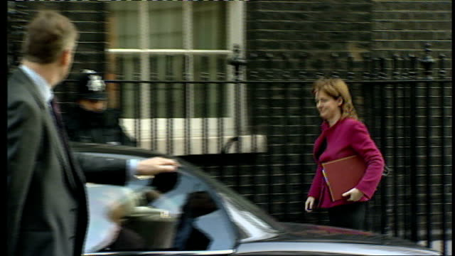cabinet arrivals for weekly cabinet meeting ruth kelly mp along to number 10 and jacqui smith mp out of car and into no10 - politician stock videos & royalty-free footage
