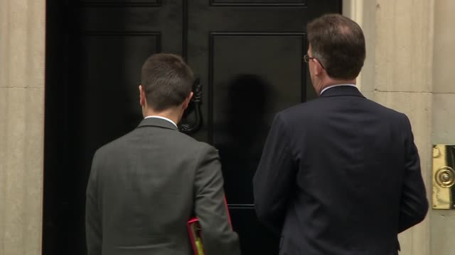 Cabinet arrivals UK London Downing Street Alun Cairns Jeremy Wright James Brokenshire Jeremy Hunt Damian Hinds and Penny Mordaunt Matt Hancock Liam...