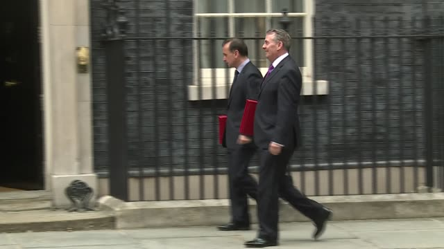 cabinet arrivals uk london downing street liam fox and alun cairns damian hinds penny mordaunt jeremy wright and claire perry david gauke london... - damian hinds stock videos and b-roll footage