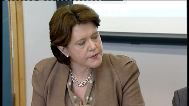 Cabinet meeting ENGLAND Avon Bristol John Cabat Academy INT David Cameron MP chairing cabinet meeting / Maria Miller MP listening / meeting in...