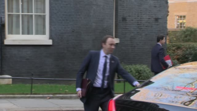 vídeos y material grabado en eventos de stock de london westminster downing street ext sajid javid mp / matt hancock mp and james brokenshire mp / penny mordaunt mp / julian smith mp into car /... - amber smith