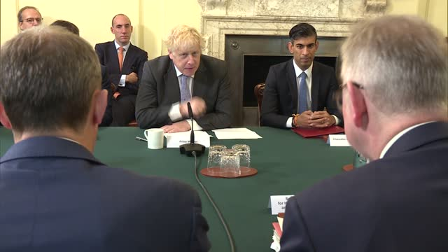 interior round table shots - alternate angle; england: london: westminster: downing street: int alternate angle of boris johnson mp speaking to... - peel stock videos & royalty-free footage