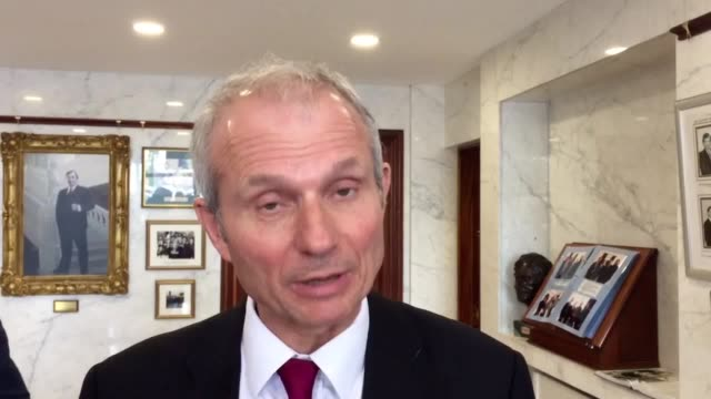 vídeos de stock, filmes e b-roll de cabinet office minister david lidington discusses his twoday trip to dundalk and newry he says the government is working on the complex border issue... - política e governo