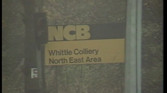 cabinet papers released: miners' strike / government 'pit closure plan'; lib 8.11.84 northumberland: whittle colliery: sign 'ncb whittle colliery' in... - northumberland video stock e b–roll