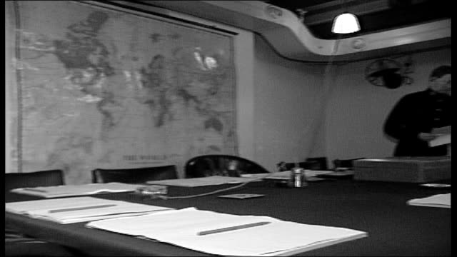 london churchill museum int gv wwii cabinet war room pan - minister stock-videos und b-roll-filmmaterial