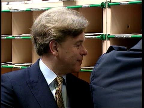 cabinet reshuffle; int cms john patten mp chatting ) millbank clipreel/ itn - 内閣改造点の映像素材/bロール