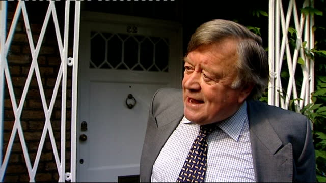 cabinet reshuffle; ken clarke mp interview on doorstep sot - rather pleasantly surprised he's asked me to stay on in the cabinet doing a different... - 内閣改造点の映像素材/bロール