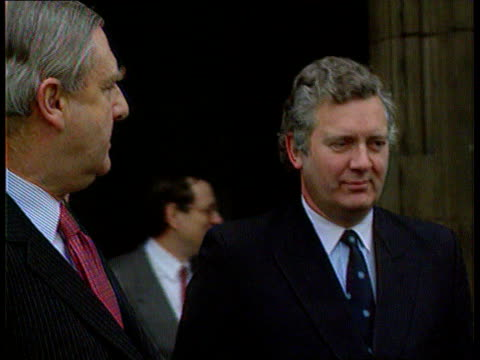 cabinet reshuffle; seq hanley with sir patrick mayhew ) c28049201/itn seq hanley arrives for visit in ulster ) tx.3.6.94/itn - 内閣改造点の映像素材/bロール