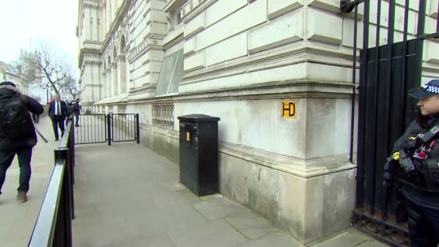 Whitehall gate arrivals and departures ENGLAND London Whitehall EXT Cars along through gates / Damian Hinds MP arriving / Claire Perry MP arriving /...