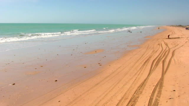 vídeos de stock, filmes e b-roll de hd: praia de cabo - cable