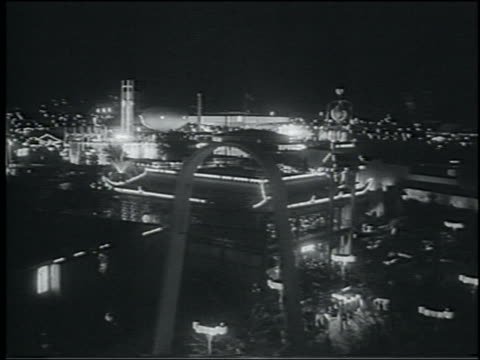 b/w 1964 cable car point of view ny world's fair at night - esposizione universale di new york video stock e b–roll