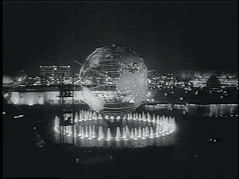 vidéos et rushes de b/w 1964 cable car point of view of unisphere at night / ny world's fair - exposition universelle de new york