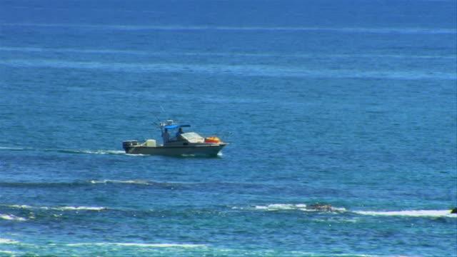 cabo barca panoramico - penisola di bassa california video stock e b–roll
