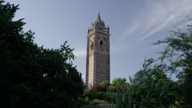 vídeos de stock e filmes b-roll de cabot tower, bristol - copa da árvore