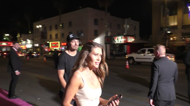 vidéos et rushes de caelynn miller-keyes arriving to the american influencer awards at dolby theatre in hollywood in celebrity sightings in los angeles, - the dolby theatre