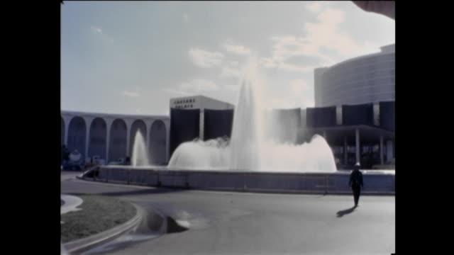 vídeos y material grabado en eventos de stock de caesar's palace opening las vegas august 5 1966 - caesars palace las vegas