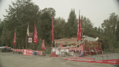 ensenada, chile - april 27, 2015: ws café destroyed by volcanic ash - バハカリフォルニア点の映像素材/bロール