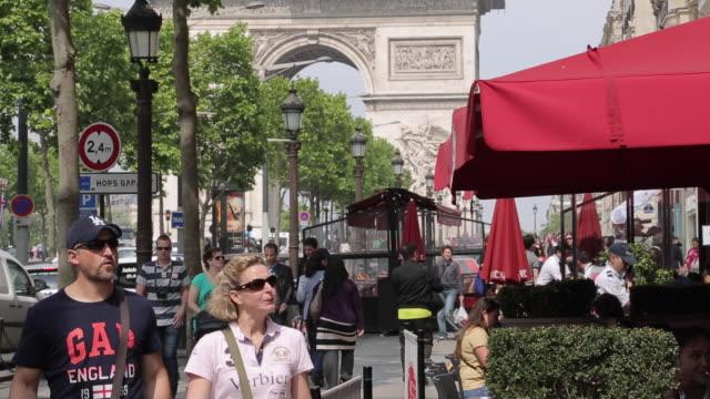 Cafe and Arc du Triomphe on Avenue des Champs Elysees, Paris, France, Europe