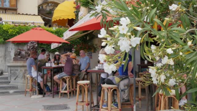 cafe bar in harbour, costiera amalfitana (amalfi coast), unesco world heritage site, province of salerno, campania, italy, europe - bar点の映像素材/bロール
