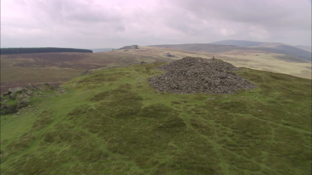 cairns on foel drygarn - pembrokeshire stock videos and b-roll footage
