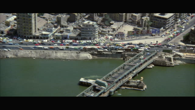 stockvideo's en b-roll-footage met aerial ws pan cairo cityscape - caïro