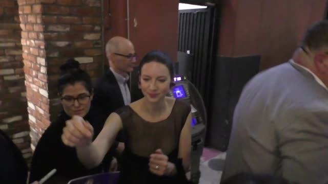 caitriona balfe greets fans outside the outlander season 5 premiere party at tao in hollywood in celebrity sightings in los angeles - premiere video stock e b–roll