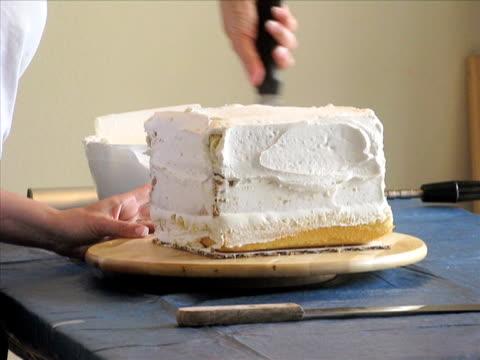 Cake Decorating--Time Lapse