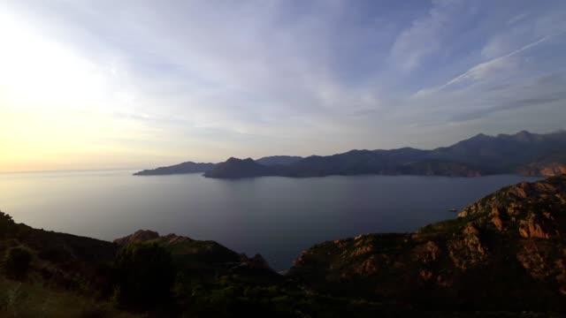 保護区デ ピアナ、コルシカ島、夕日 - カランシェ点の映像素材/bロール