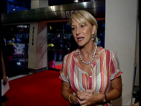 vidéos et rushes de calendar girls premiere; helen mirren interview sot - i feel lucky to be with other girls in this lovely film julie walters interview sot - no... - helen mirren