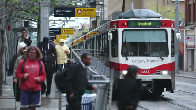 MS Calgary C Train arriving and departing / Calgary, Alberta, Canada