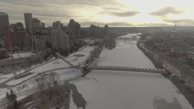 calgary skyline in winter - calgary stock videos & royalty-free footage