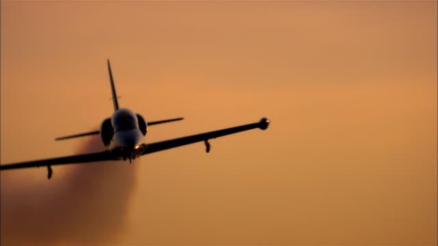 cu, la, usa, california, mojave desert, aero l-39 albatross flying against sky - air force stock videos & royalty-free footage