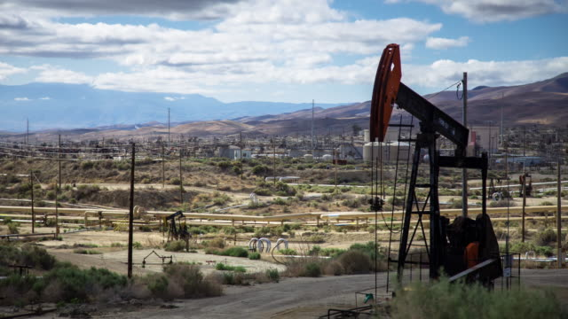 California Oil Industry - Time Lapse